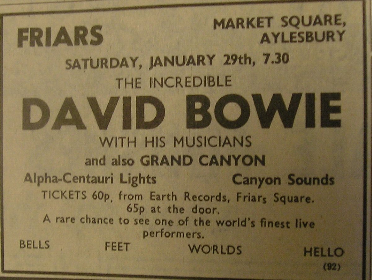 Pic-4-David-Bowie-Plays-Friars-Aylesbury-in-1972-with-Psychedelic-Lighting-for-the-DJ-Support-Provided-by-AC.jpg